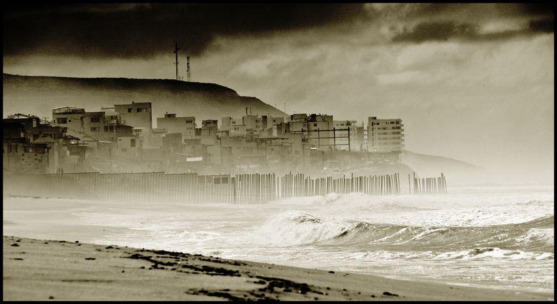 The-Tijuana-Surf-Fence-#2