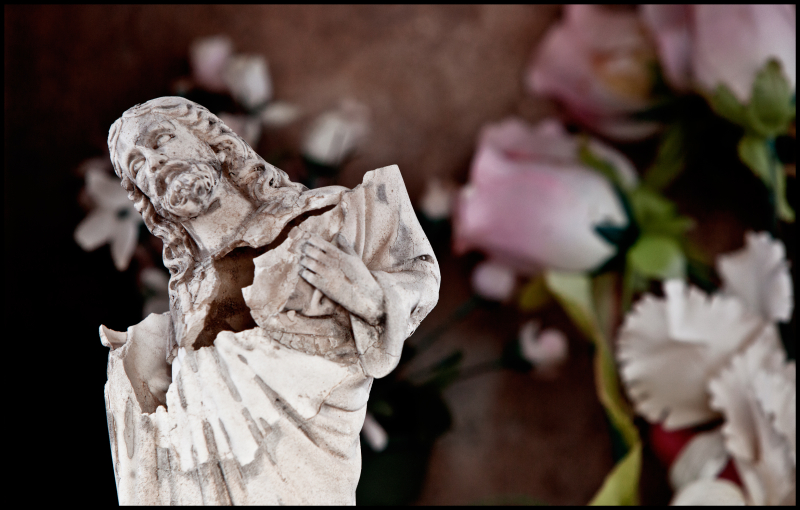 Oquitoa-Broken-Christ-&-Roses-#7