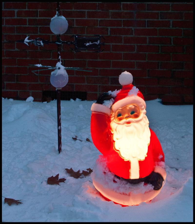 Waving-Santa-In-Snow-#18